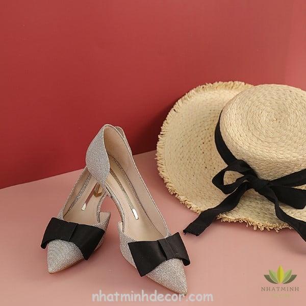 Cách chụp ảnh giày dép đẹp - Hướng dẫn chọn góc chụp phù hợp nhất 1
