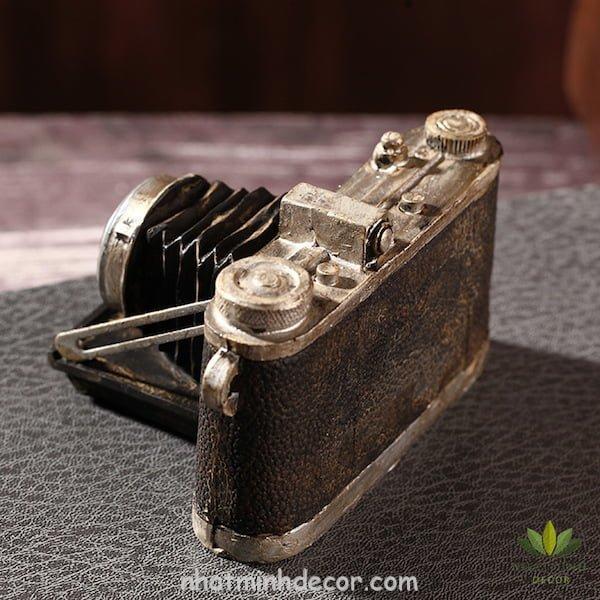 Mô hình máy ảnh cổ và cũ 2