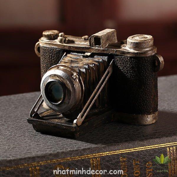 Mô hình máy ảnh cổ và cũ 1